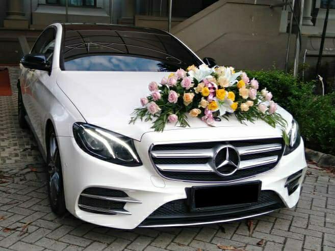 Mercedes-Benz-E300-Sewa-Rental-Mobil-Pengantin-Mewah-Wedding-Car-Jakarta-Bogor-Depok-Tangerang-Bekasi-Karawang-Bandung1